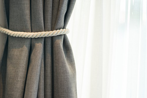 How To Choose Curtains For Bedroom?